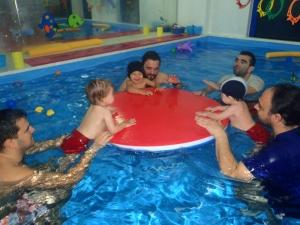 baby_swimming_