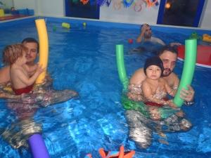 baby_swimming_8